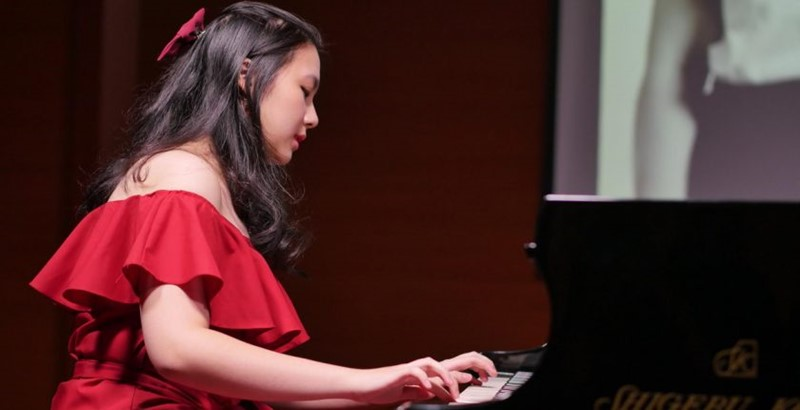 Solo Piano Recital Evelyn Surjaatmadja